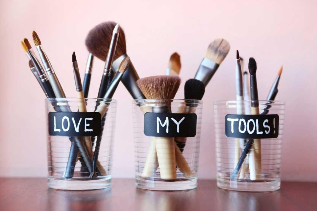 четки за шминкање